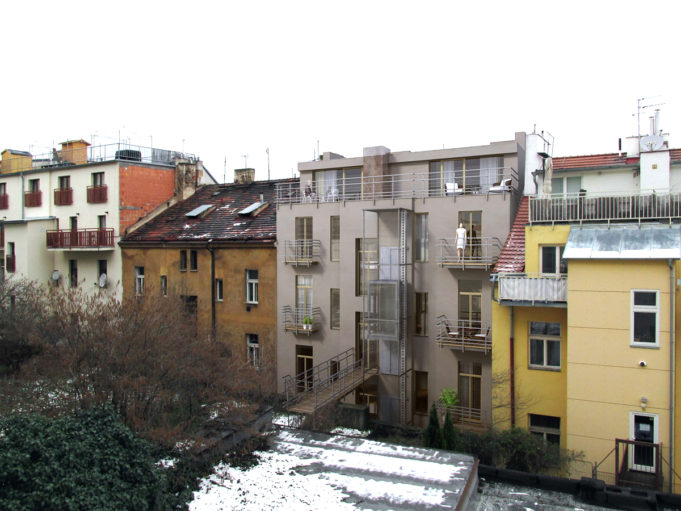 Náhledový obrázek BD-Rehorova-II_dvur-02